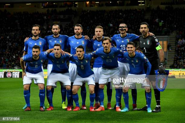 Players of Italy line up prior to the FIFA 2018 World Cup Qualifier PlayOff Second Leg between Italy and Sweden at San Siro Stadium on November 13...