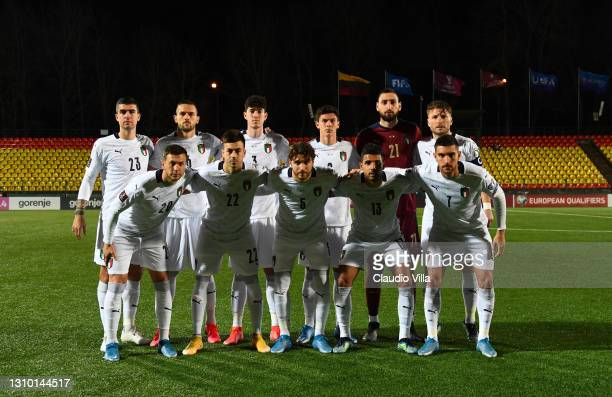 Players of Italy line up prior to the FIFA World Cup 2022 Qatar qualifying match between Lithuania and Italy on March 31, 2021 in Vilnius, Lithuania.