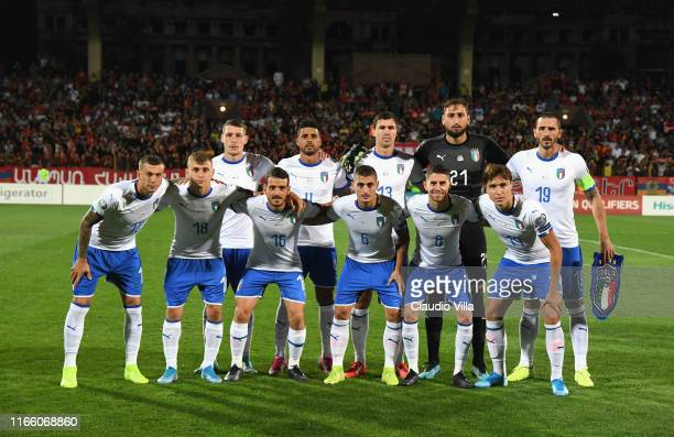 Players of Italy line up prior to the UEFA Euro 2020 qualifier between Armenia and Italy at Republican Stadium after Vazgen Sargsyan on September 5...