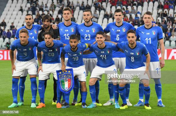 Players of Italy line upnbefore the International Friendly match between Italy and Netherlands at Allianz Stadium on June 4 2018 in Turin Italy