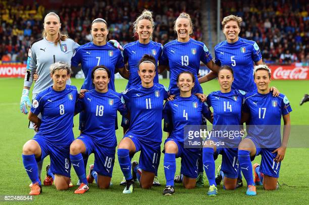 Players of Italy pose for a team shot during the UEFA Women's Euro 2017 Group B match between Sweden and Italy at Stadion De Vijverberg on July 25...