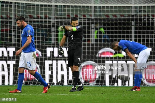Players of Italy show dejection after the FIFA 2018 World Cup Qualifier PlayOff Second Leg between Italy and Sweden at San Siro Stadium on November...