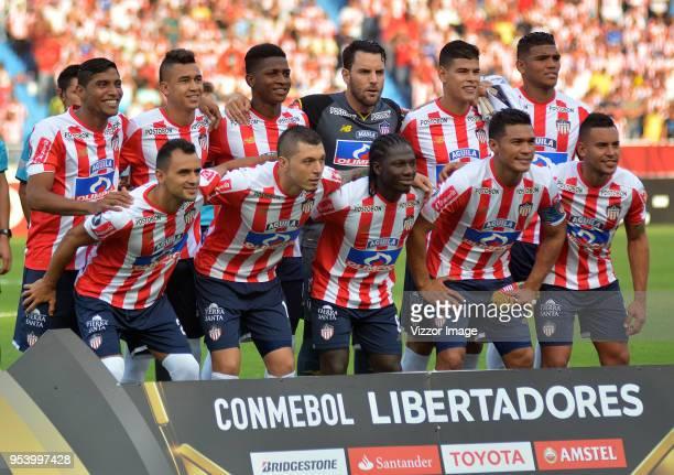 Players of Junior pose for the team photo prior a Copa CONMEBOL Libertadores match between Junior and Boca Juniors at Estadio Metropolitano on May 2...