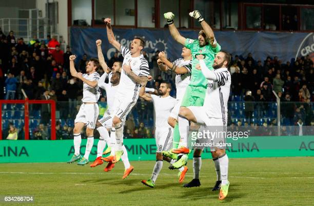 Players of Juventus celebrate after during the Serie A match between FC Crotone and Juventus FC at Stadio Comunale Ezio Scida on February 8 2017 in...
