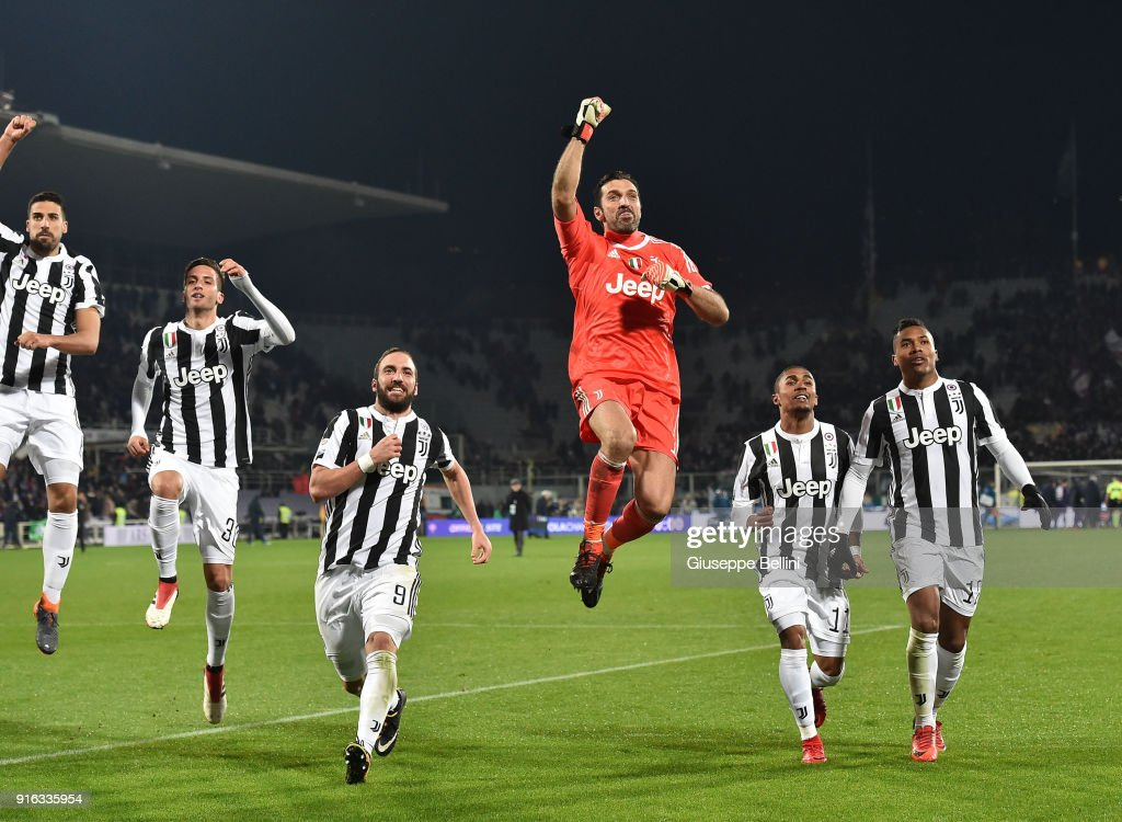 Players of Juventus celebrate the victory after the serie A match between ACF Fiorentina and Juventus at Stadio Artemio Franchi on February 9, 2018 in Florence, Italy. (Photo by Giuseppe Bellini/Getty Images);