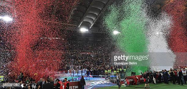 Players of Juventus FC celebrate the victory after the TIM Cup match between AC Milan and Juventus FC at Stadio Olimpico on May 21 2016 in Rome Italy