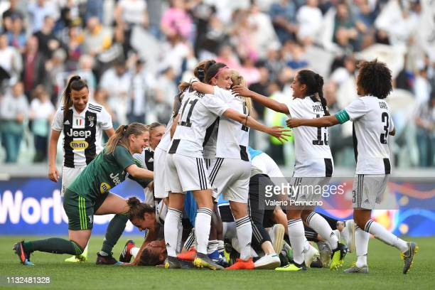 Players of Juventus FC Women celebrate victory at the end of the Women Serie A match between Juventus Women and Fiorentina Women at Allianz Stadium...