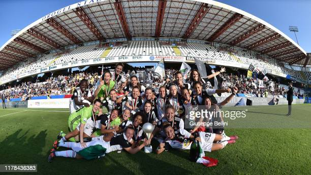Players of Juventus Women celebrate the victory after the Italian Supercup match between Juventus Women and Fiorentina Women at Orogel Stadium Dino...