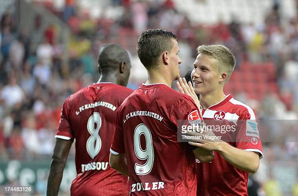 Players of Kaiserslautern celebrates after Simon Zoller is scoring his team first goal during the second Bundesliga match between 1FC Kaiserslautern...