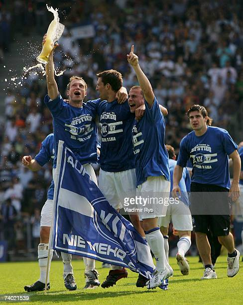 Players of Karlsruhe celebrate after winning 10 the Second Bundesliga match between Karlsruher SC and Spvgg Unterhaching at the Wildpark stadium on...