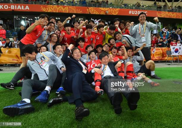 Players of Korea Republic celebrate their win during the 2019 FIFA U20 World Cup Quarter Final match between Korea Republic and Senegal at...