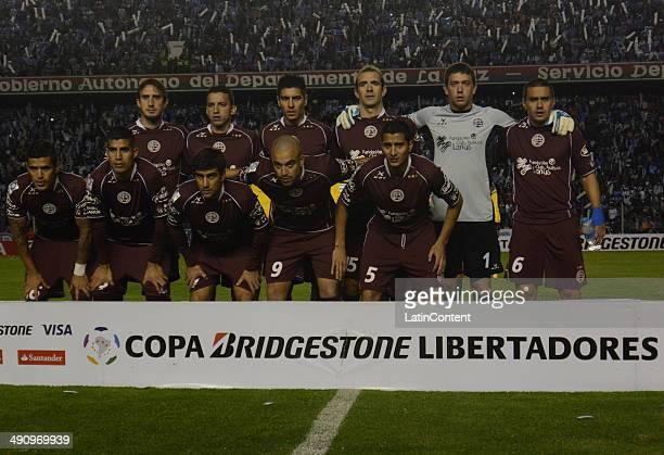 Players of Lanús pose for a team photo before a second leg quarter final match between Bol'ívar and Lanúœs as part of Copa Bridgestone Libertadores...