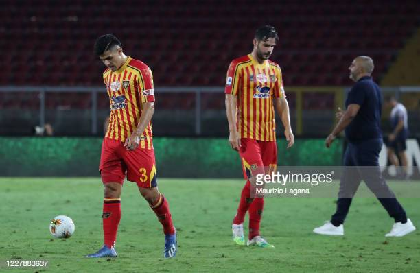 Players of Lecce show their dejection after the Serie A match between US Lecce and Parma Calcio at Stadio Via del Mare on August 02, 2020 in Lecce,...