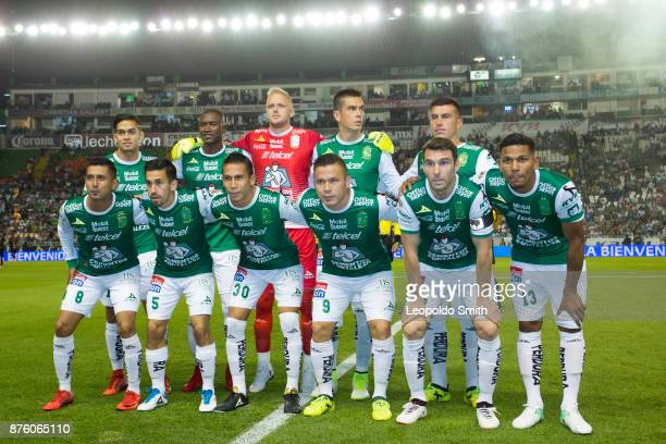 Players of Leon pose for a photo prior the 17th round match between Leon and Chivas as part of the Torneo Apertura 2017 Liga MX at Leon Stadium on...
