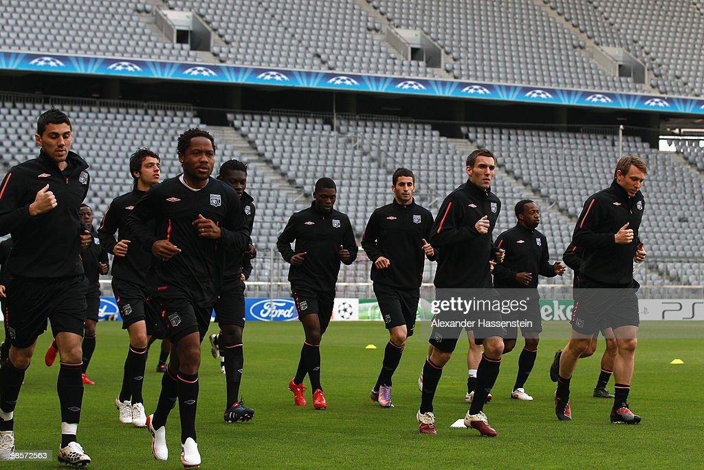 Players of Lyon run during a training session at Allianz Arena on April 20, 2010 in Munich, Germany. Olympic Lyon will play against Bayern Muenchen at the UEFA Champions League semi final first leg match on April 21.