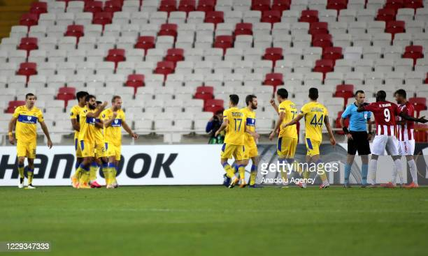 Players of Maccabi Tel-Aviv celebrate after winning UEFA Europa League Group I soccer match between Demir Grup Sivasspor and Maccabi Tel-Aviv at 4...