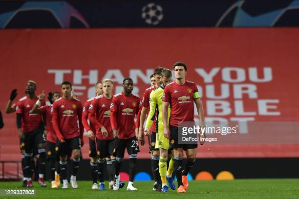 Players of Manchester United are seen prior to the UEFA Champions League Group H stage match between Manchester United and RB Leipzig at Old Trafford...
