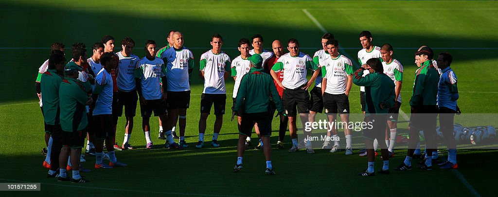 Players of Mexican National Team during a training session at King Baudouin Stadium on June 2, 2010 in Brussels, Belgium. Mexico will face Italy on thursday 3rd as part of their preparation for the 2010 FIFA World Cup South Africa.