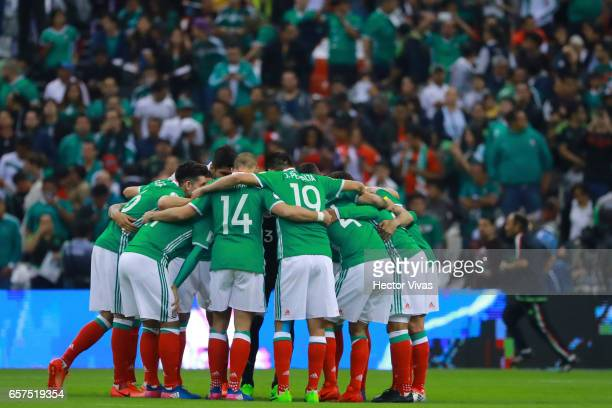 Players of Mexico gather prior the fifth round match between Mexico and Costa Rica as part of the FIFA 2018 World Cup Qualifiers at Azteca Stadium on...