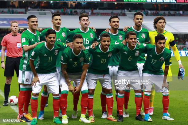 Players of Mexico pose for a team photo prior to the match between Mexico and Honduras as part of the FIFA 2018 World Cup Qualifiers at Azteca...