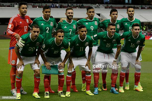 Players of Mexico pose for pictures prior a match between Mexico and Honduras as part of FIFA 2018 World Cup Qualifiers at Azteca Stadium on...