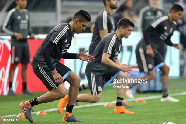 Players of Mexico warm up during the Mexico training session ahead of the FIFA friendly match against Croatia at ATT Stadium on March 26 2018 in...
