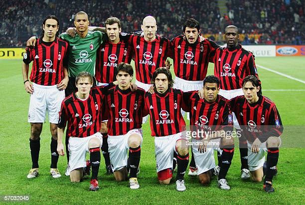 Players of Milan pose for a photo during the UEFA Champions League Round of 16 second leg match between AC Milan and Bayern Munich at the Giuseppe...