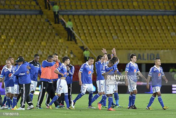 Players of Millonarios celebrates the victory against Huila during a match between Millonarios and Atletico Huila as part of the Liga Postobon II...