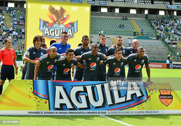 Players of Millonarios pose for a team picture prio a match between Deportivo Cali and Millonarios as part of round 13 of Liga Aguila I 2016 at...