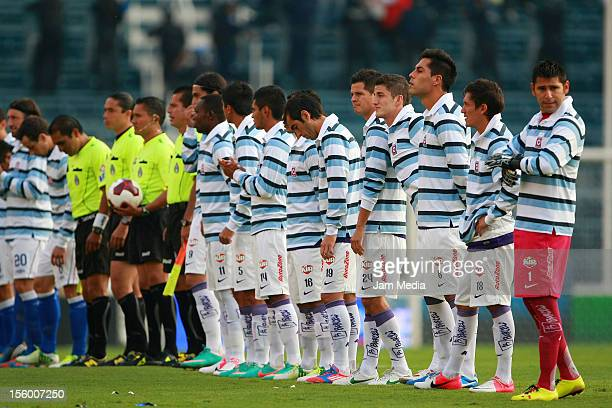 9ea2f118f25 Players of Monterrey and Cruz Azul wear a Miguel Marin memorial shirt  before the match as