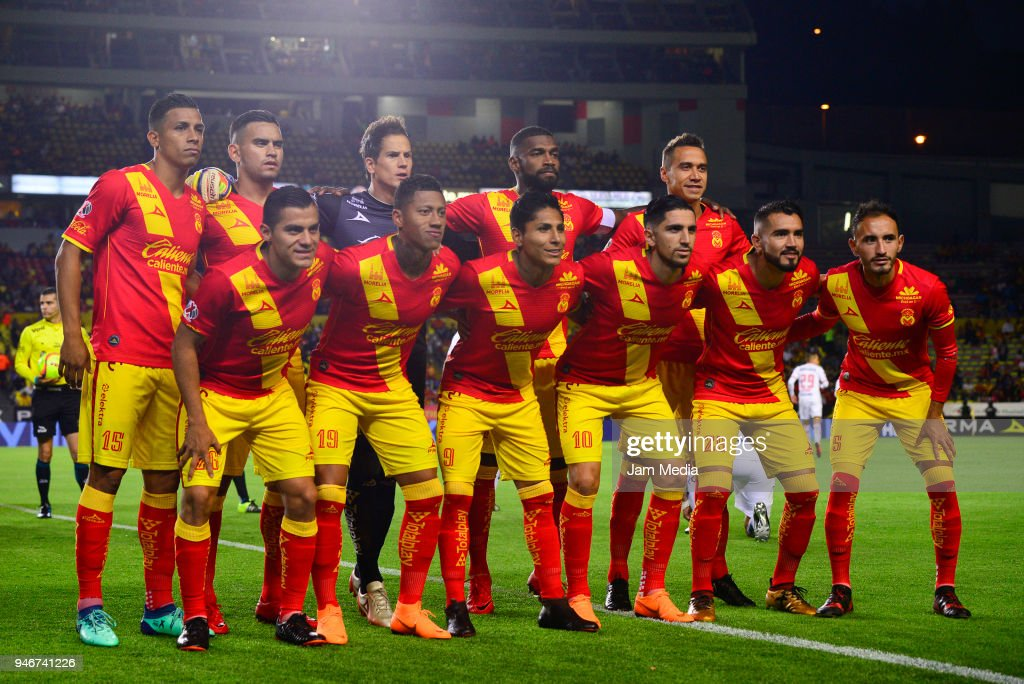 Players of Morelia pose prior the 15th round match between Morelia and Toluca as part of the Torneo Clausura 2018 Liga MX at Jose Maria Morelos Stadium on April 14, 2018 in Morelia, Mexico.