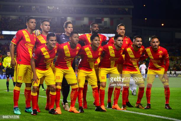 Players of Morelia pose prior the 15th round match between Morelia and Toluca as part of the Torneo Clausura 2018 Liga MX at Jose Maria Morelos...