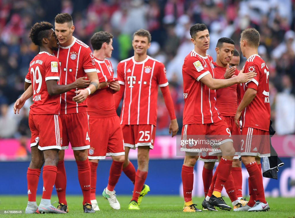 Players of Muenchen celebrate after the Bundesliga match between FC Bayern Muenchen and 1. FSV Mainz 05 at Allianz Arena on September 16, 2017 in Munich, Germany.