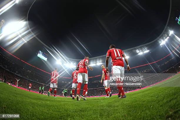 Players of Muenchen enters the field of play for the Bundesliga match between Bayern Muenchen and Borussia Moenchengladbach at Allianz Arena on...