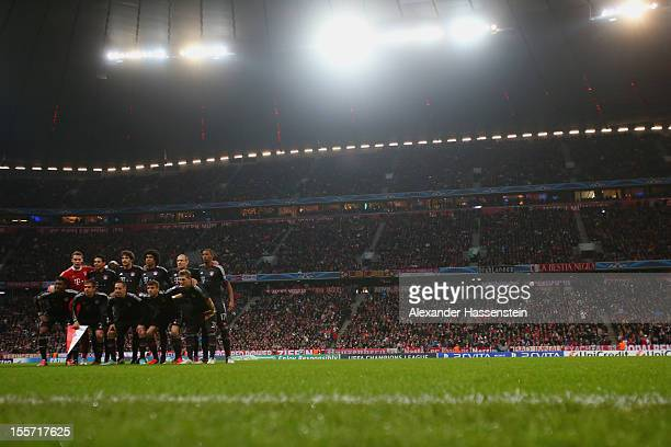 Players of Muenchen pose at the line up prior the UEFA Champions League group F match between FC Bayern Muenchen and LOSC Lille at Allianz Arena on...