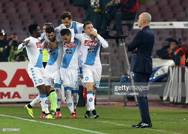 Players of Napoli celebrate the opening goal during the Serie A match between SSC Napoli and FC Internazionale at Stadio San Paolo on December 2 2016...