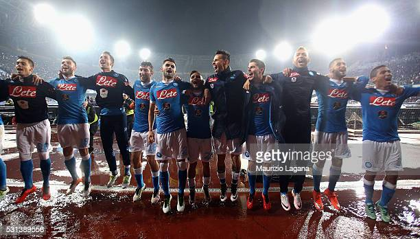 Players of Napoli celebrates after the Serie A match between SSC Napoli and Frosinone Calcio at Stadio San Paolo on May 14 2016 in Naples Italy