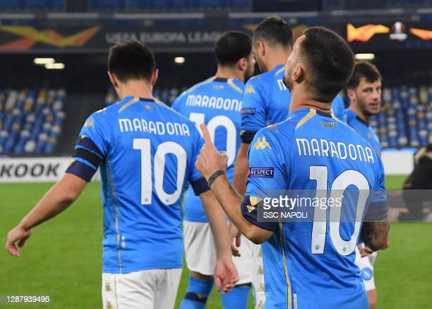 Players of Napoli wear number 10 Maradona shirts during the UEFA Europa League Group F stage match between SSC Napoli and HNK Rijeka at Stadio San...