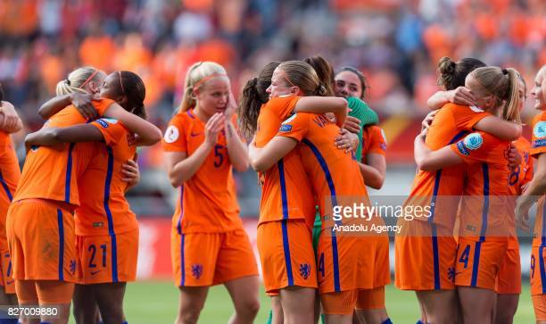 Players of Netherlands celebrate after wining the final match of the UEFA Women's Euro 2017 between Netherlands and Denmark at FC Twente Stadium in...