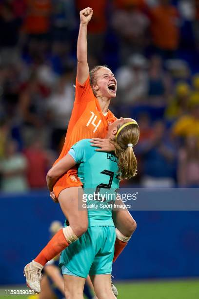 Players of Netherlands celebrate the victory after the 2019 FIFA Women's World Cup France Semi Final match between Netherlands and Sweden at Stade de...