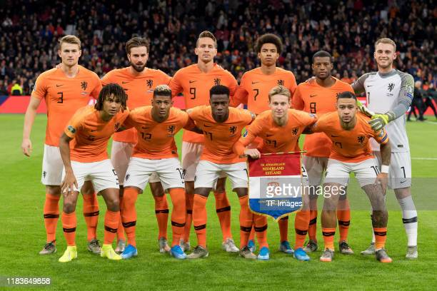 Players of Netherlands line up for the team photo prior to the UEFA Euro 2020 Qualifier between The Netherlands and Estonia on November 19 2019 in...