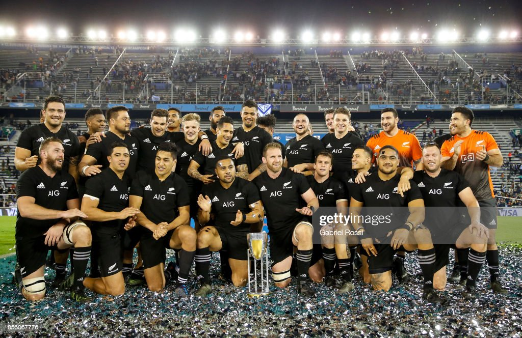 Players of New Zealand pose for a photo after winning a match between Argentina and New Zealand as part of Rugby Championship 2017 at Jose Amalfitani Stadium on September 30, 2017 in Buenos Aires, Argentina.