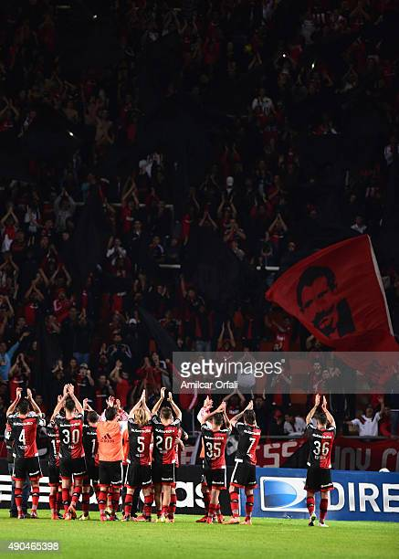Players of Newell's Old Boys cheer their fans after a match between Estudiantes and Newell's Old Boys as part of round 26th of Torneo Primera...