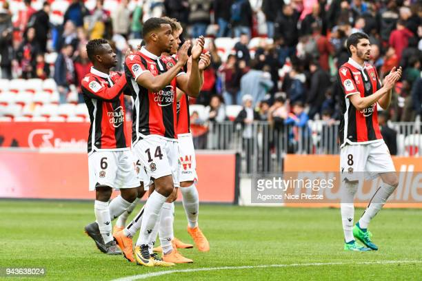 Players of Nice salute the fans during the Ligue 1 match between OGC Nice and Stade Rennes at Allianz Riviera on April 8 2018 in Nice