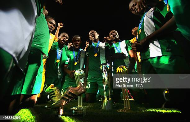 Players of Nigeria celebrate with their trophies after the FIFA U-17 World Cup Chile 2015 Final between Mali and Nigeria at Estadio Sausalito on...