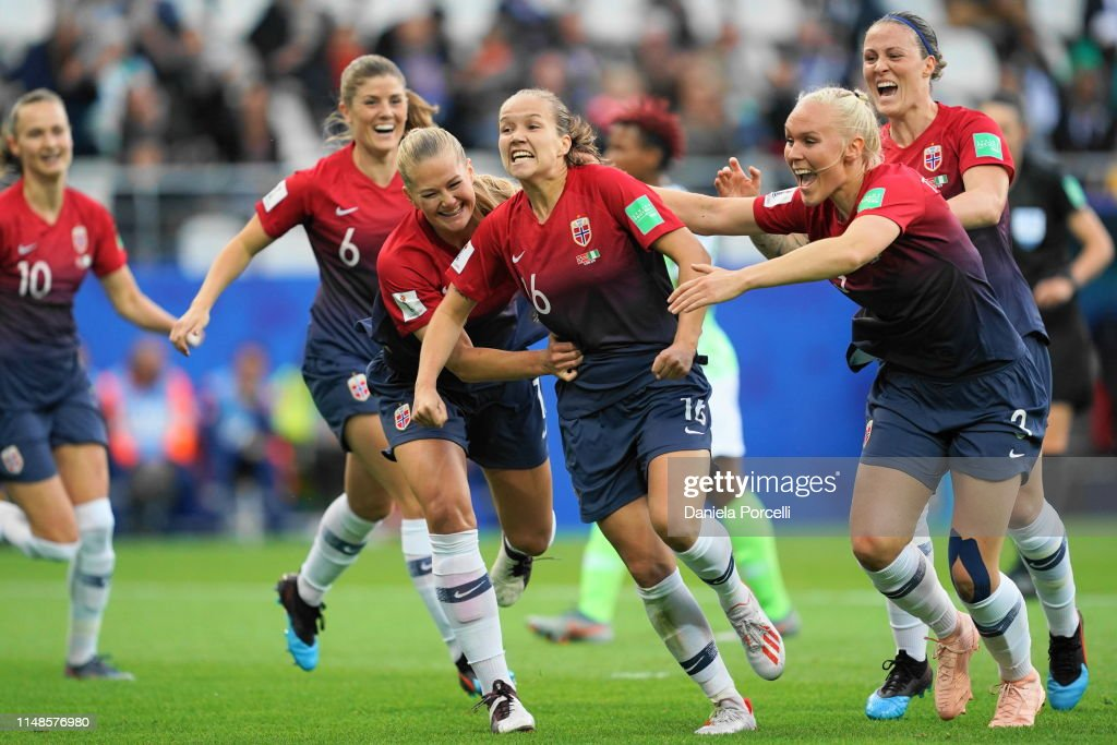 Norway v Nigeria: Group A - 2019 FIFA Women's World Cup France : Photo d'actualité