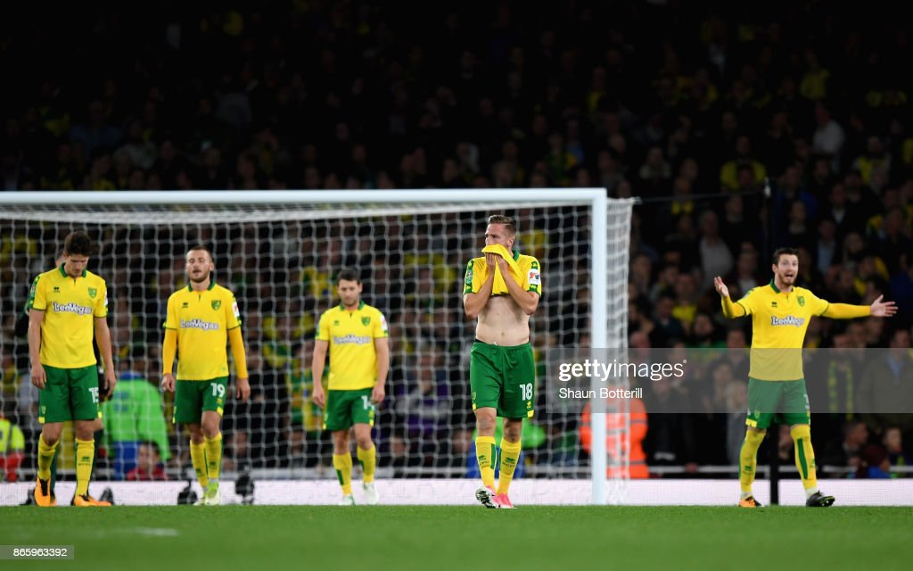 Players of Norwich City looks dejected after the Carabao Cup Fourth Round match between Arsenal and Norwich City at Emirates Stadium on October 24, 2017 in London, England.