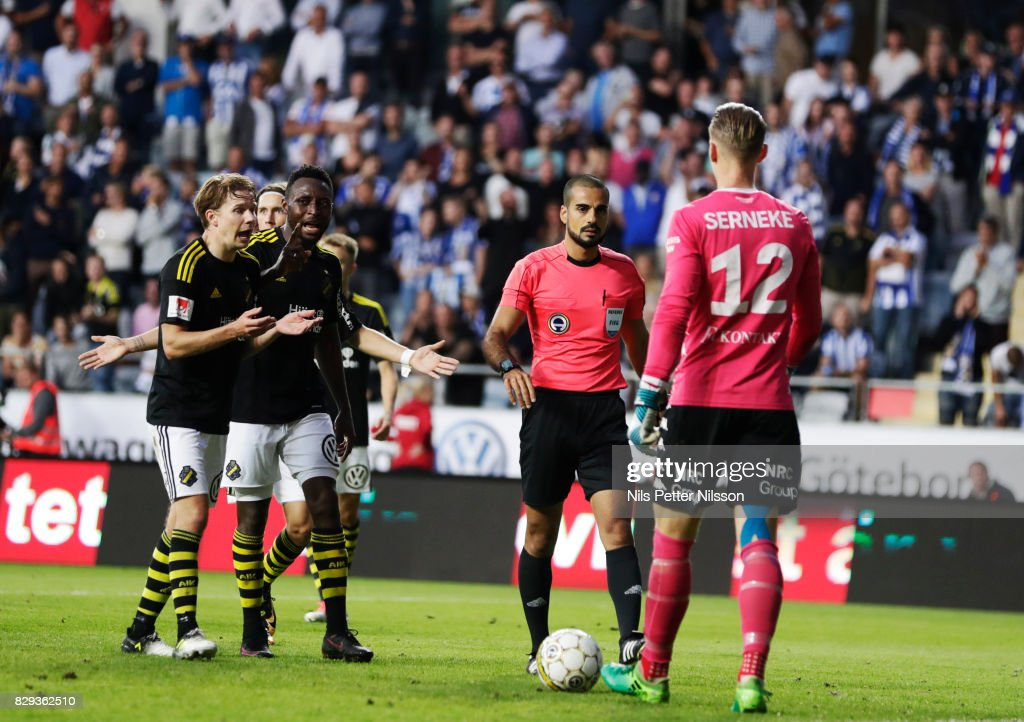 Players of of AIK reacts since Mohammed Al-Hakim, referee, has waived off a goal during the Allsvenskan match between IFK Goteborg and AIK at Gamla Ullevi on August 10, 2017 in Gothenburg, Sweden.