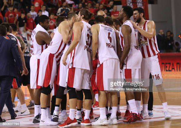 Players of Olympiacos Piraeus celebrate their victory during the 2017/2018 Turkish Airlines EuroLeague Regular Season Round 1 game between Olympiacos...