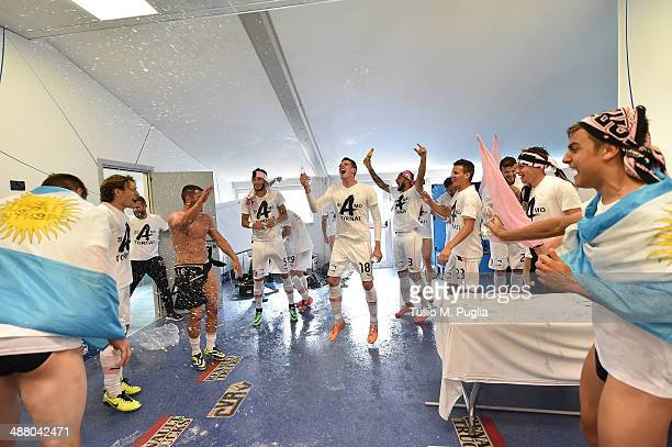 Players of Palermo celebrate after winning the Serie B match between Novara Calcio and US Citta di Palermo and gaining promotion to Serie A at Silvio...
